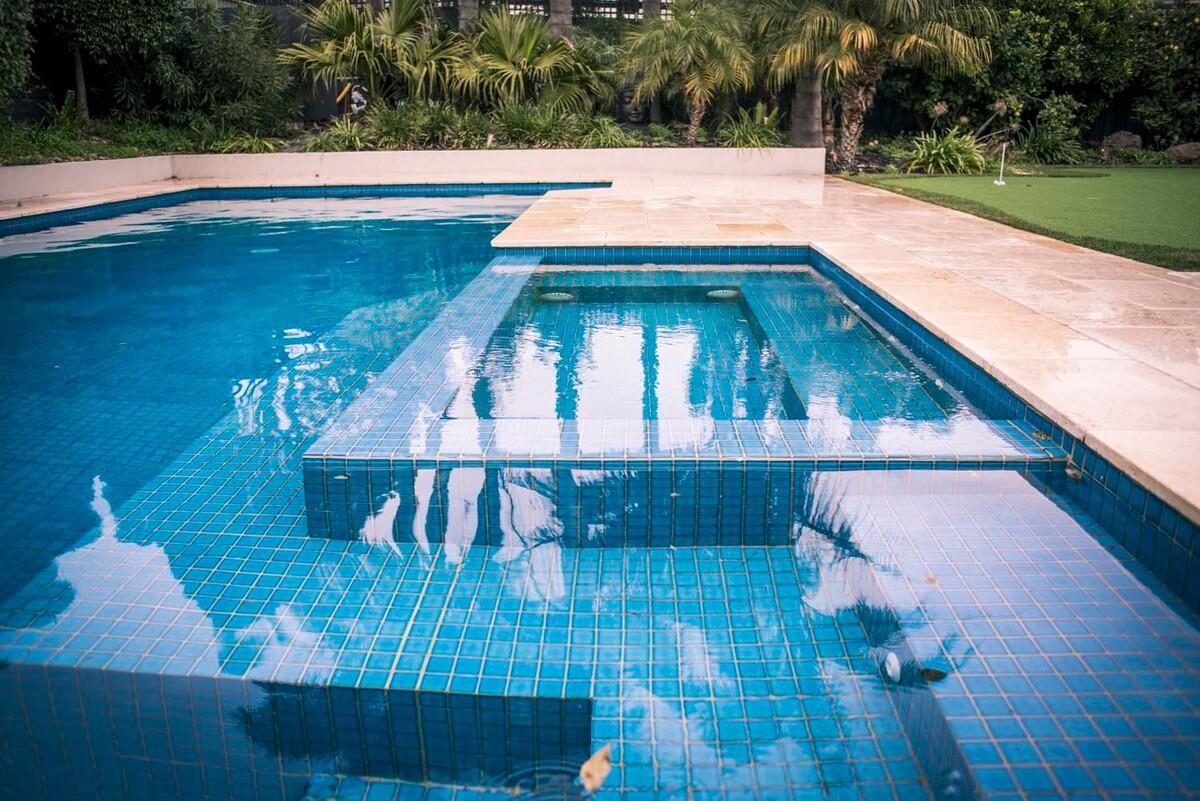 бассейн спа зона