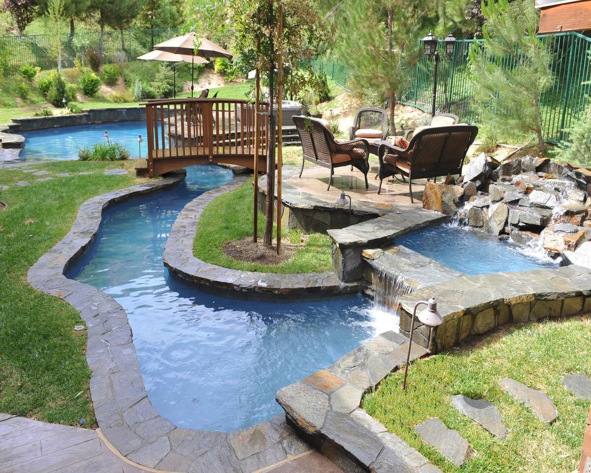 бассейн искусственный водоем
