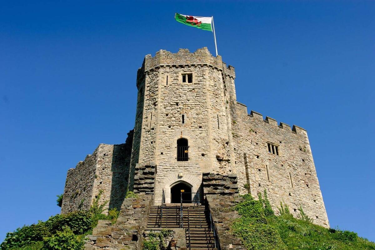 Замок Кардифф в Уэльсе