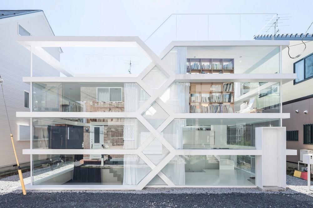дом из стекла в японии