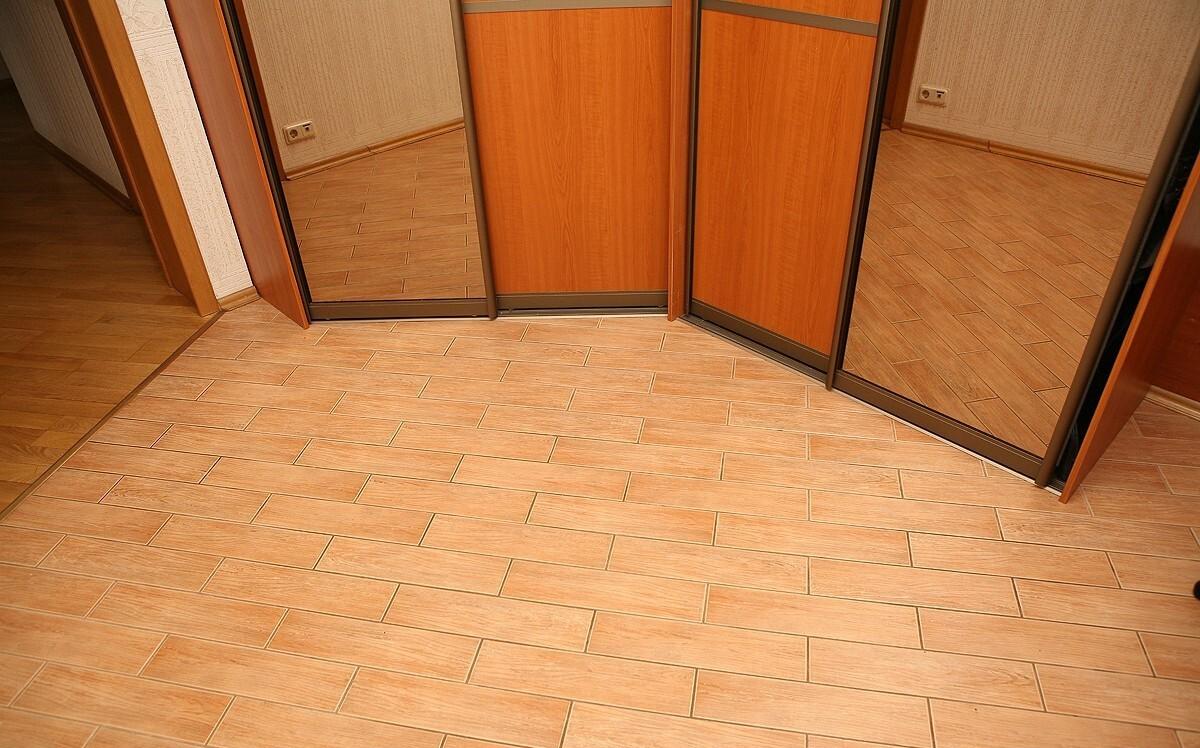 145336693056a09e929b6ce Выбираем напольное покрытие в коридор Фото