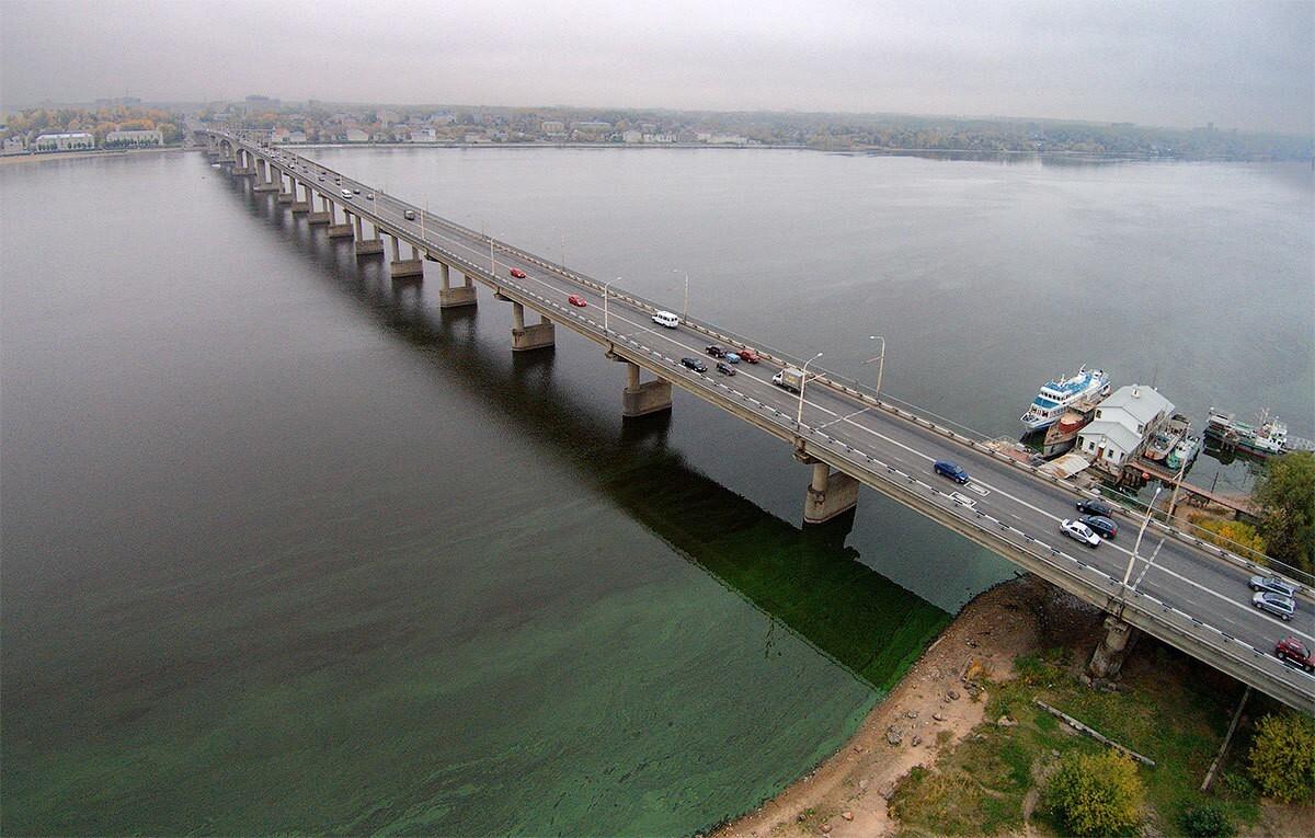В Костроме утверждена схема организации движения транспорта на время ремонта моста через реку Волга