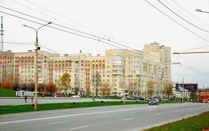 Ограничение движения на перекрестке улицы Мира и проспекта Строителей