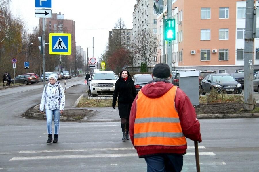 Пересечение улиц Карякинской и Свободы давно нуждалось в системе регулирования автомобильных и пешеходных потоков.