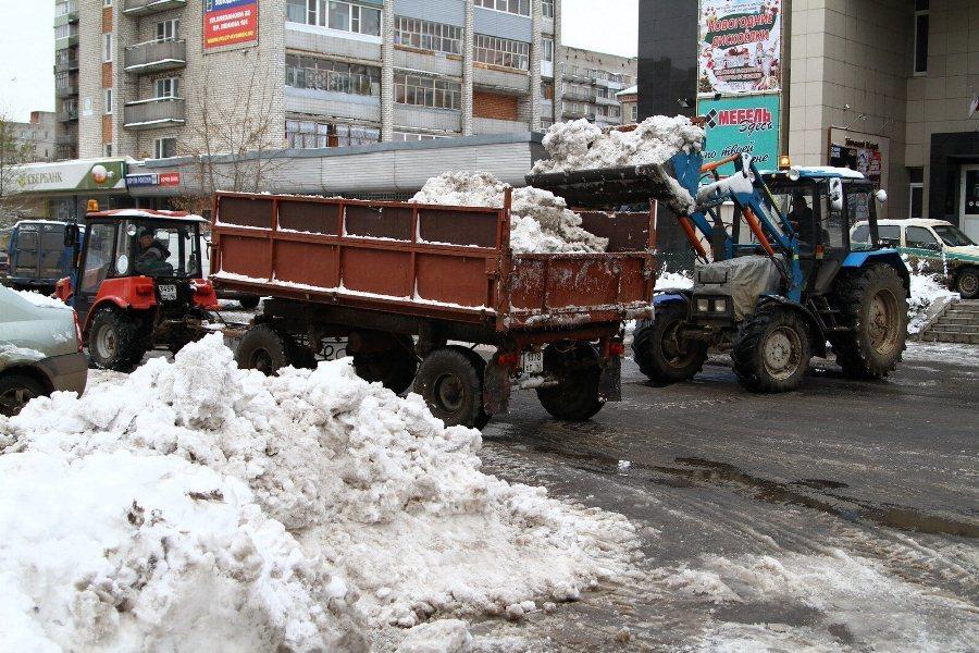 Вывоз снега с улицы Кирова