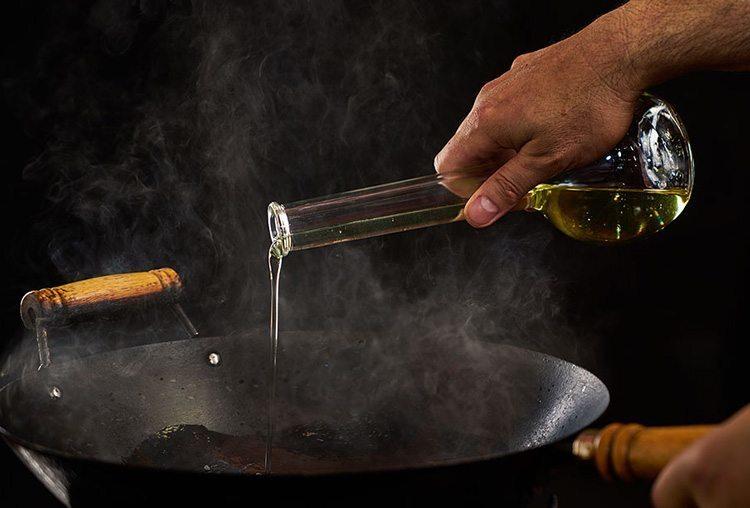 использование вок сковороды