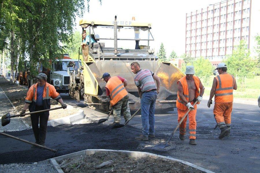 На бульваре Победы ремонтируют тротуары