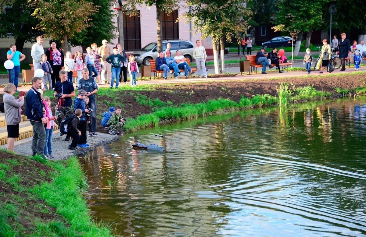 30 сентября будет временно ограничено движение транспорта у пруда на пересечении улиц Шагова и Долматова