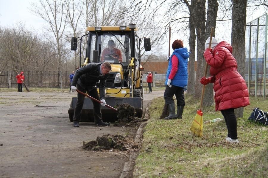 В Рыбинске объявлен месячник санитарной уборки города