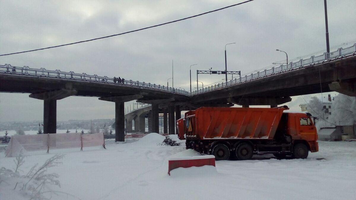 С сегодняшнего дня открыто движение транспорта на правоповоротном съезде моста через Волгу