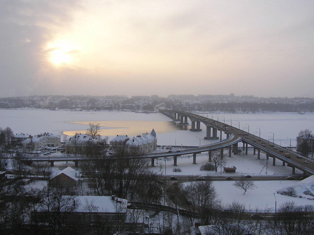 Независимые эксперты проводят обследование моста через Волгу после капитального ремонта