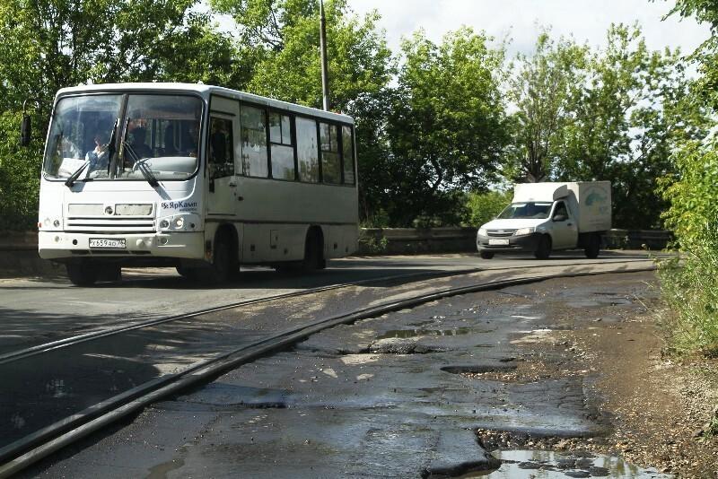 На время ремонта дороги на дамбе-шлюз общественный транспорт изменит движение