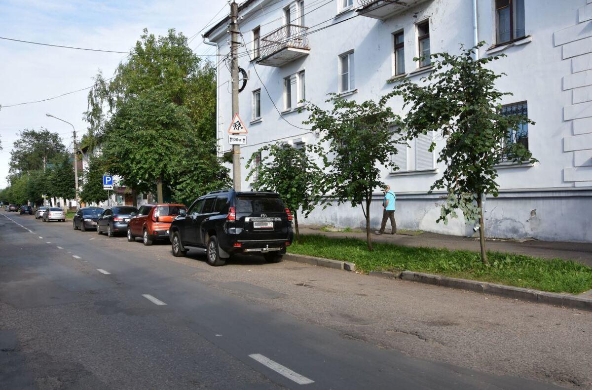 Перед началом асфальтирования на улице Шагова реконструируют сети водоотведения