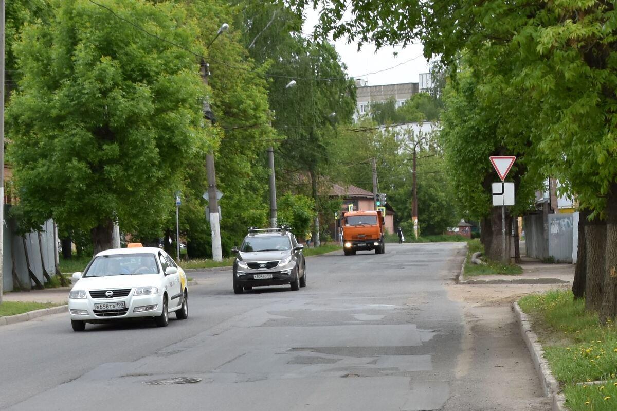 Перед асфальтированием проезжей части на улице Депутатской заменят инженерные коммуникации
