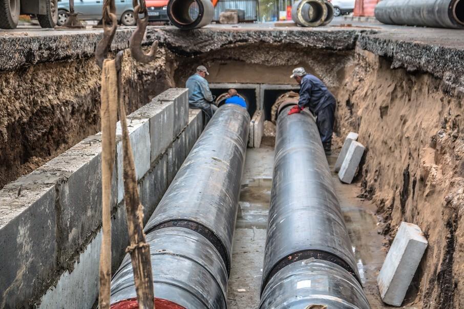 На улице Депутатской завершается реконструкция теплосети перед ремонтом дороги