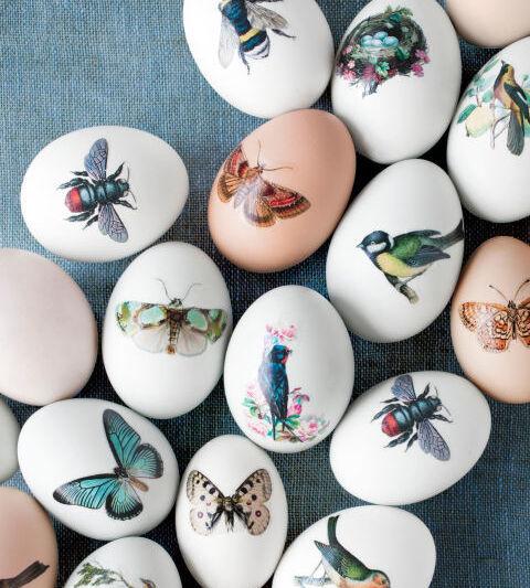 яйца на пасху с наклейками