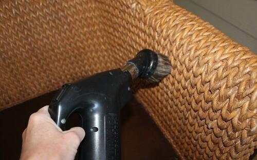 Правильный уход за плетеной мебелью Фото