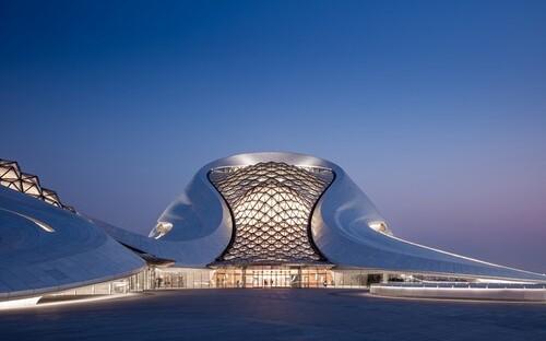 здание оперы в китае