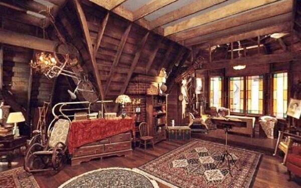 Внутри усадьбы сестёр Холлиуэлл дом Зачарованных