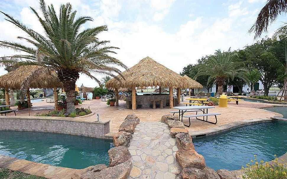 бассейн в Эль Кампо
