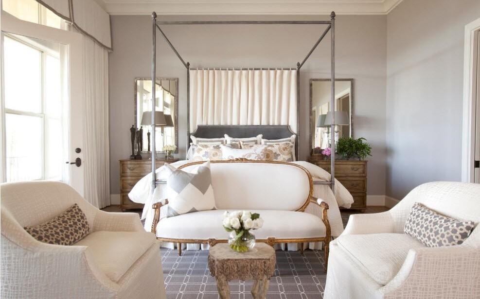 кованая кровать с балдахином хромированная