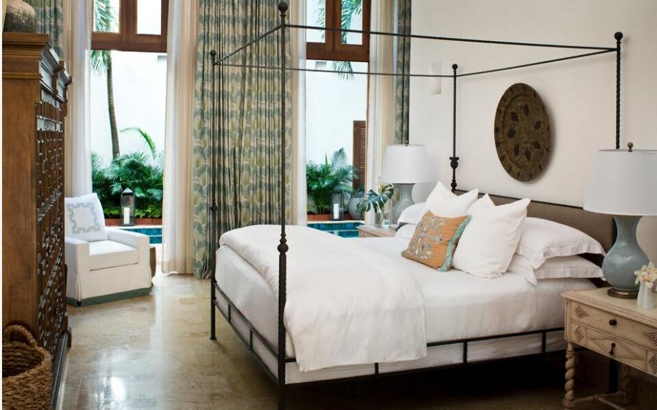кованая кровать в интерьере прованс