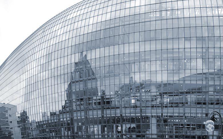 красивый фасад из стекла