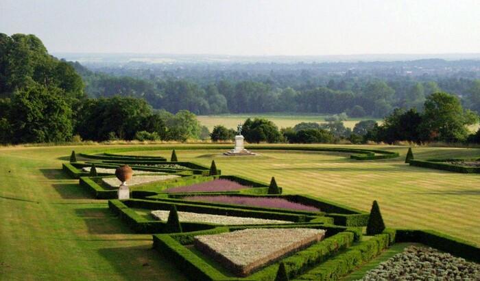 Семь отелей с прекрасными садами: почувствуйте себя в сказке