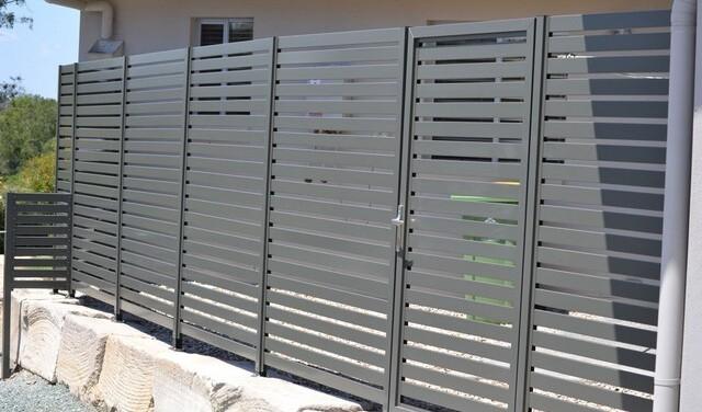 Алюминиевая или стальная ограда?