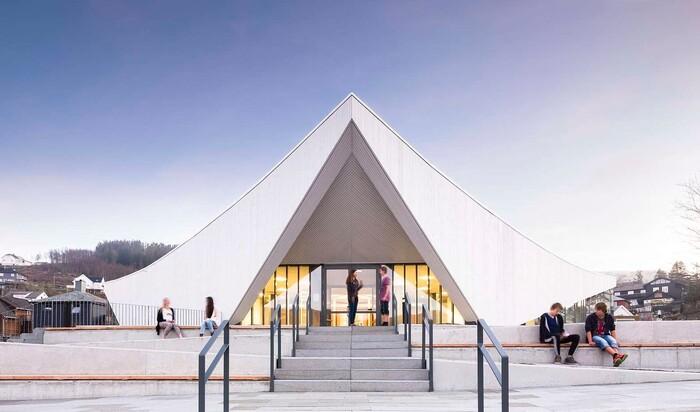 Современные религиозные сооружения в Скандинавии