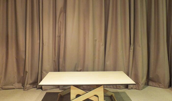 Журнальный столик, трансформирующийся в обеденный стол