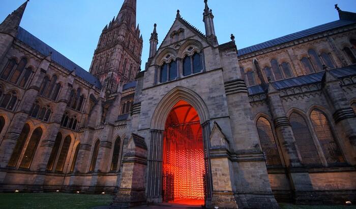 Солсберийский собор зажег огни в честь 800-летнего юбилея Великой хартии вольностей