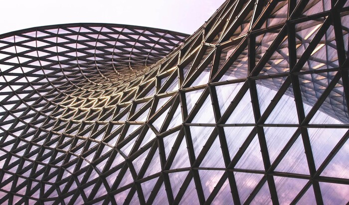 Первые архитектурные шедевры с применением металлоконструкций