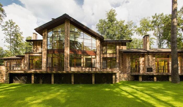 Какие юридические документы необходимо собрать перед постройкой дома?