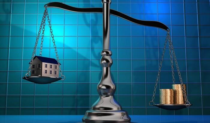 Стоит ли брать кредит или вкладывать инвестиции в покупку дома?