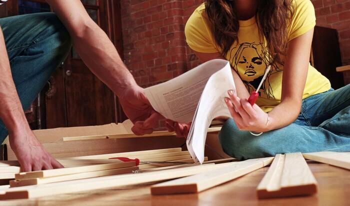 Соревнование века: кто собирает мебель из ИКЕИ быстрее – мужчины или женщины