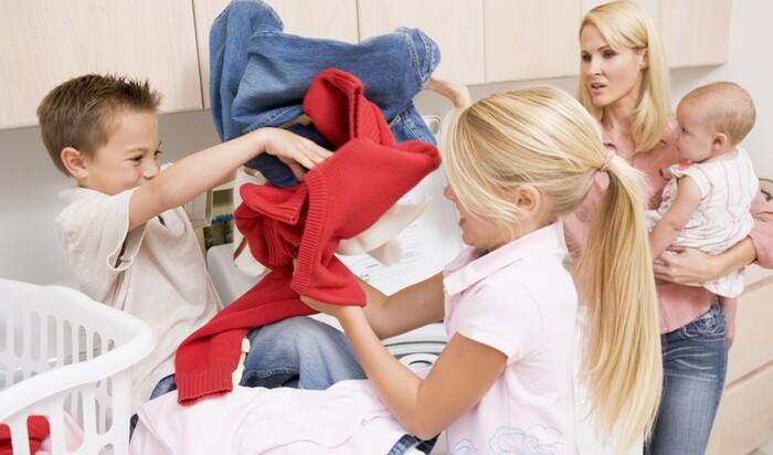 Когда дело доходит до уборки, позвольте детям побыть «неумехами»