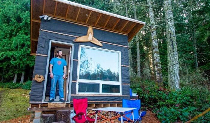 Как построить крошечный и уютный дом всего за 500$