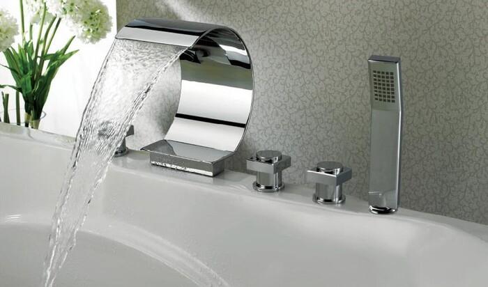 Удобный смеситель для ванной комнаты