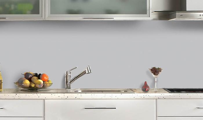 Защитный экран для кухни: какой материал лучше выбрать