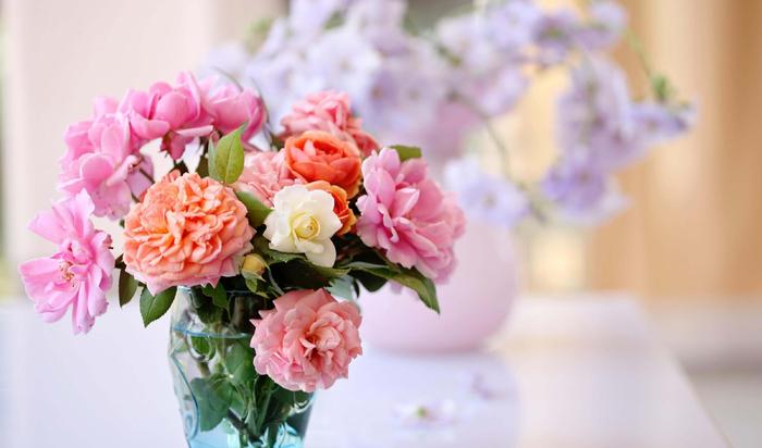 Как выбрать вазу для букета цветов?