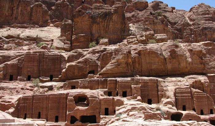 Древние постройки в современных египетских городах