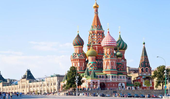 """""""Пряничный домик"""" на Красной площади. Как и в честь кого был создан Собор Василия Блаженного?"""