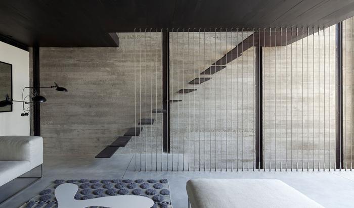 Можно ли обустроить жилое помещение на цокольном этаже?