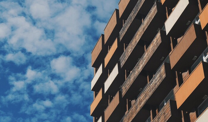 Квартира в новостройке или вторичное жильё: плюсы и минусы