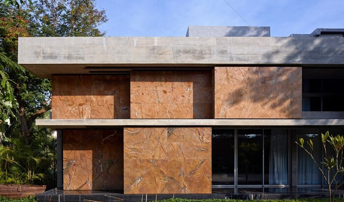 Раздвижные стены «оживляют» фасад и способствуют вентиляции