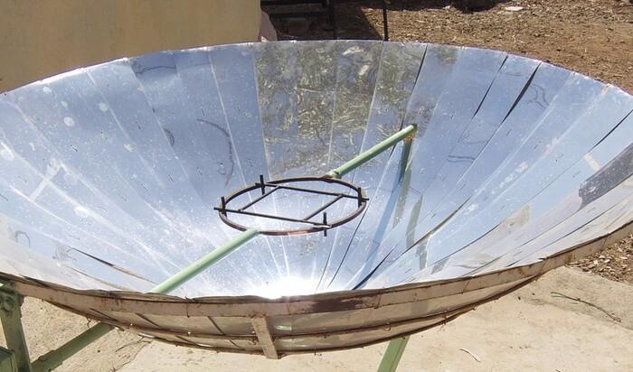 Пять самодельных плит, работающих на солнечной энергии