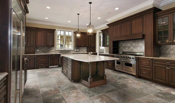 Лучшее напольное покрытие для кухни: керамика или фарфор
