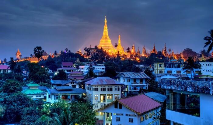Постройки в стиле модерн в бывшей столице Мьянмы