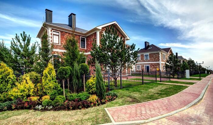 Что выбрать: загородный дом или квартиру в городе
